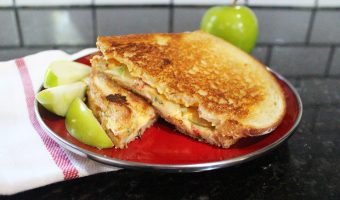 Southern Style Grilled Cheese Sandwich (Pimento Grilled Cheese)